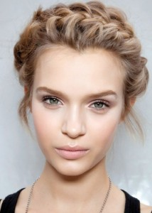 model natural makeup
